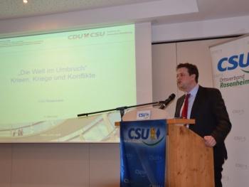 CSU-MdB und stellv. Fraktionsvorsitzender der Europäischen Volkspartei im Europarat, Tobias Zech, über die vielen Krisen, Kriege und Konflikte