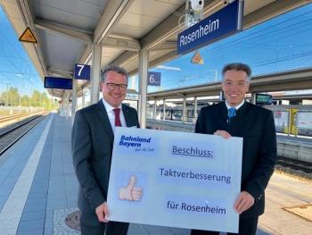Landtagsabgeordnete Klaus Stöttner und Otto Lederer für besseren Takt bei Bahn
