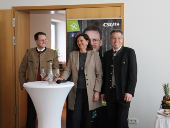 Ein toller Auftrag für den Wahlkampf - Landratskandidat Otto Lederer in Bad Aibling