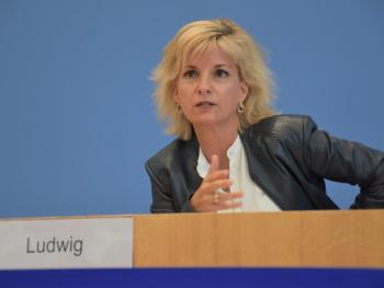 Mega-Zuschuss vom Bund für Rosenheimer Eisstadion! Haushaltsausschuss des Bundestages genehmigt 2,2 Millionen Euro Förderung