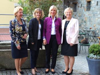 Frauen-Frühstück der FU mit Umweltministerin Scharf und MdB Ludwig