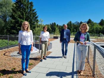 Ein fürsorglicher Platz für den letzten Lebensabschnitt - MdB Daniela Ludwig zu Besuch im Chiemseehospiz Bernau