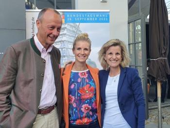 Fulminanter Wahlkampfauftakt mit olympischem Geist und klarer politischer Kante - CDU-Politiker Friedrich Merz zu Gast im Kesselhaus Kolbermoor